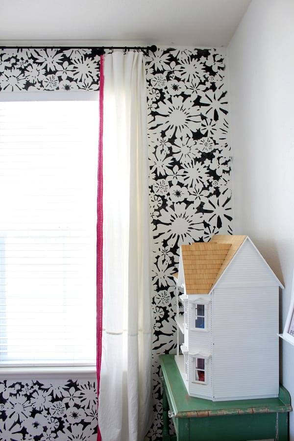 How to Easily Stencil an Accent Wall