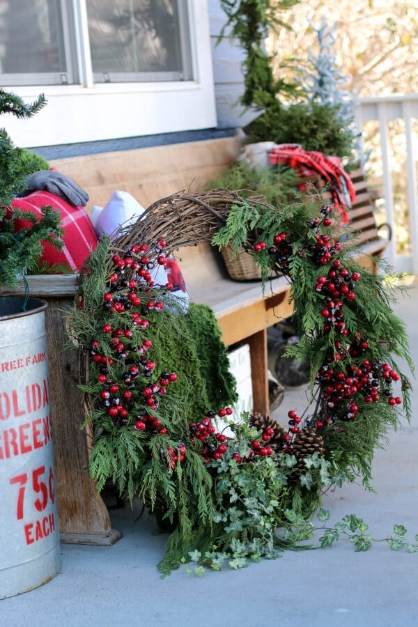 How to make a large outdoor Christmas wreath that you will love!
