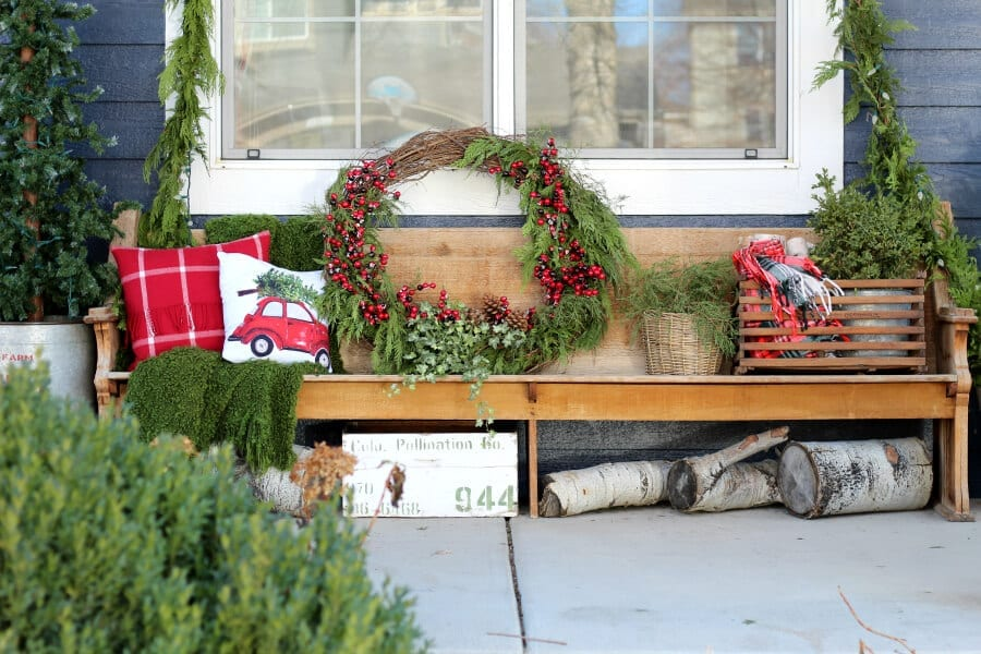 Learn how to make a large outdoor Christmas wreath in less than 30 minutes!