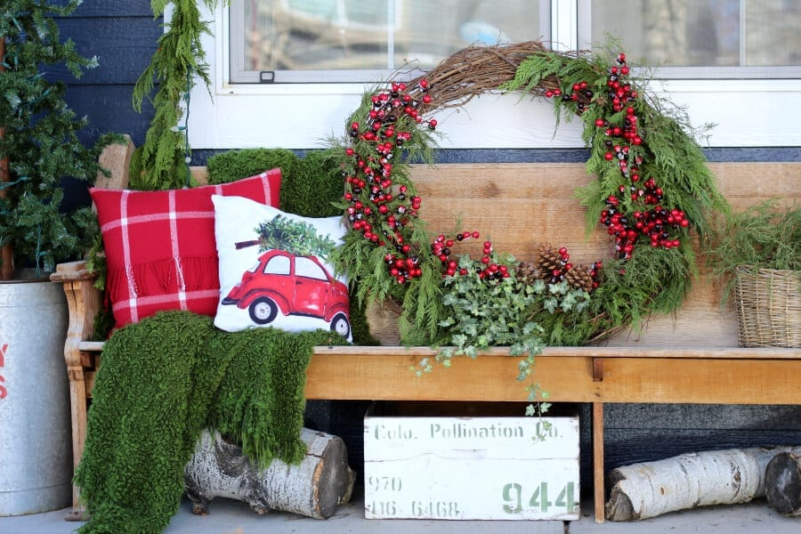 Dress up your poch for the holidays with this easy to make large outdoor Christmas wreath!
