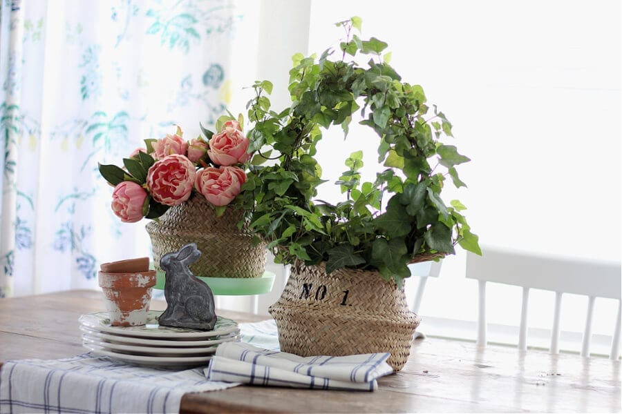 The Easy Way To Stencil A Sea Grass Basket in just a few minutes!