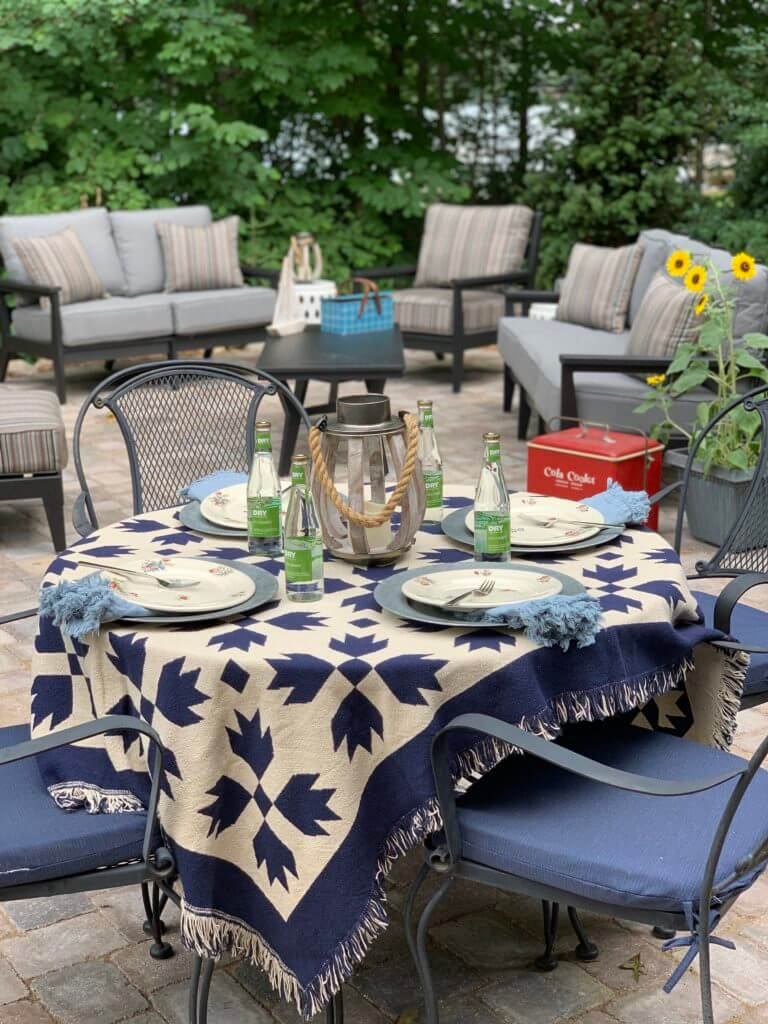 Welcome Home Saturday: Tips for setting a table with vintage decor!