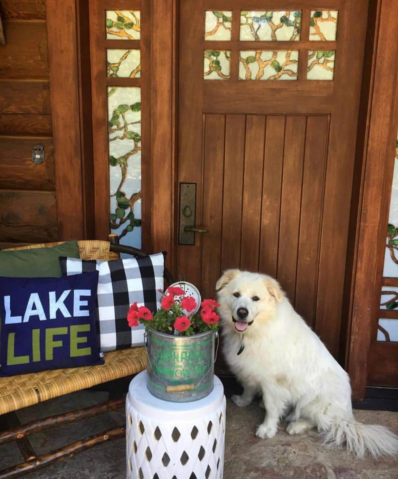 Welcome Home Saturday: Vintage must haves for the lake house