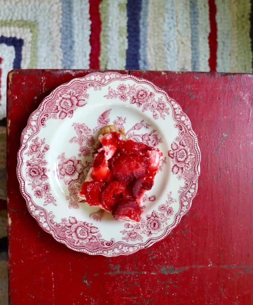 Welcome Home Saturday: Strawberry bars with dots pretzel crust