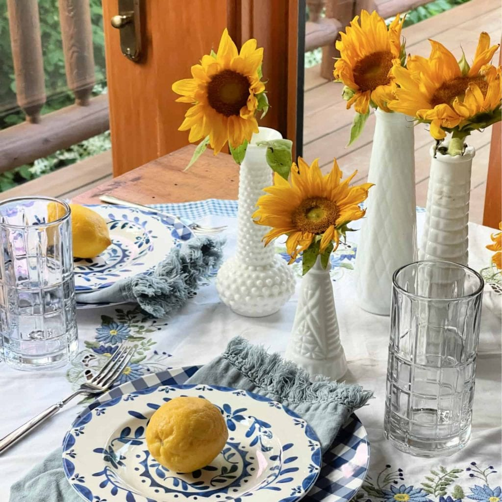Welcome Home Saturday: Styling a Summer Table
