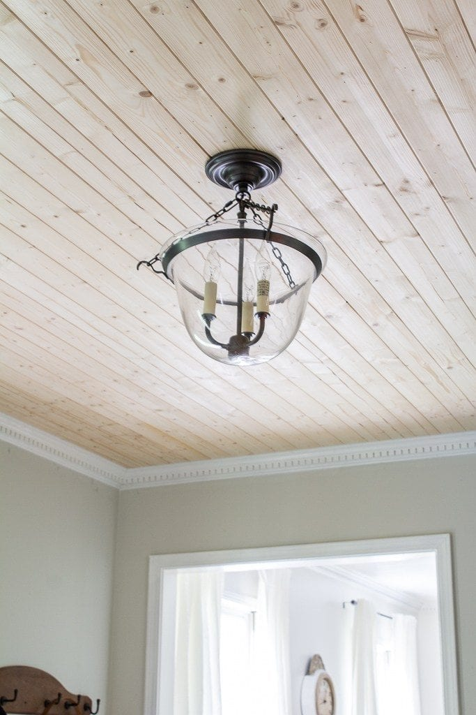 Welcome Home Sunday: easy planked ceiling