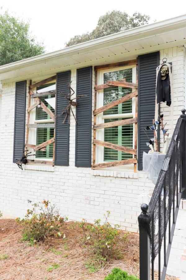 Welcome Home Saturday: DIY outdoor Halloween decorations