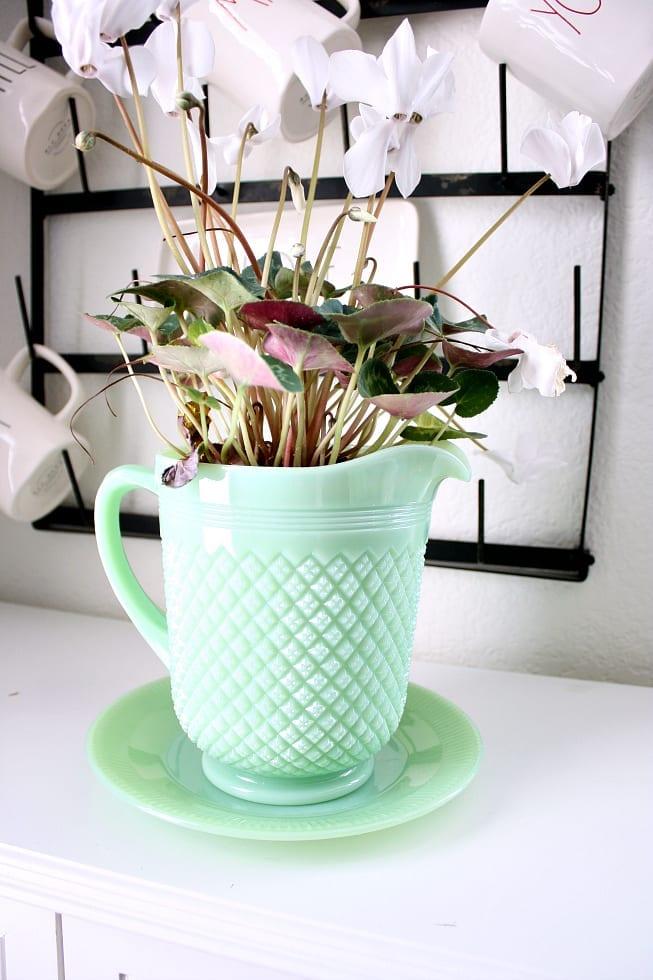 A remake of a jadeite pitcher.