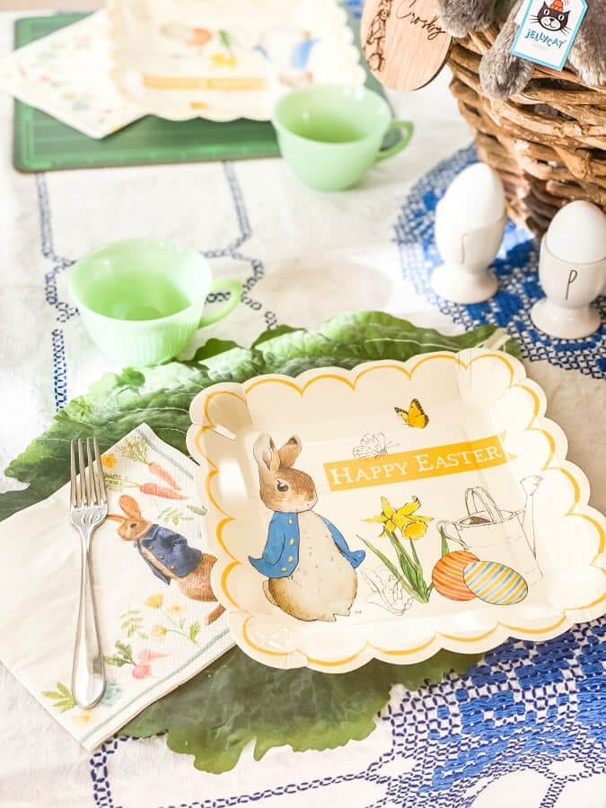 Welcome Home Sunday: Kid friendly Easter table ideas.