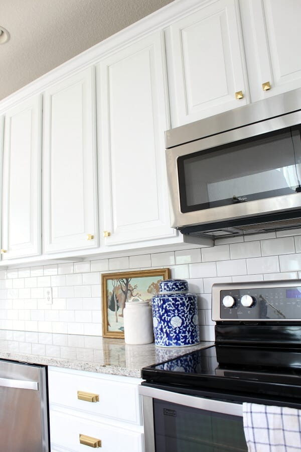 Why refinishing your kitchen cabinets is the best idea!