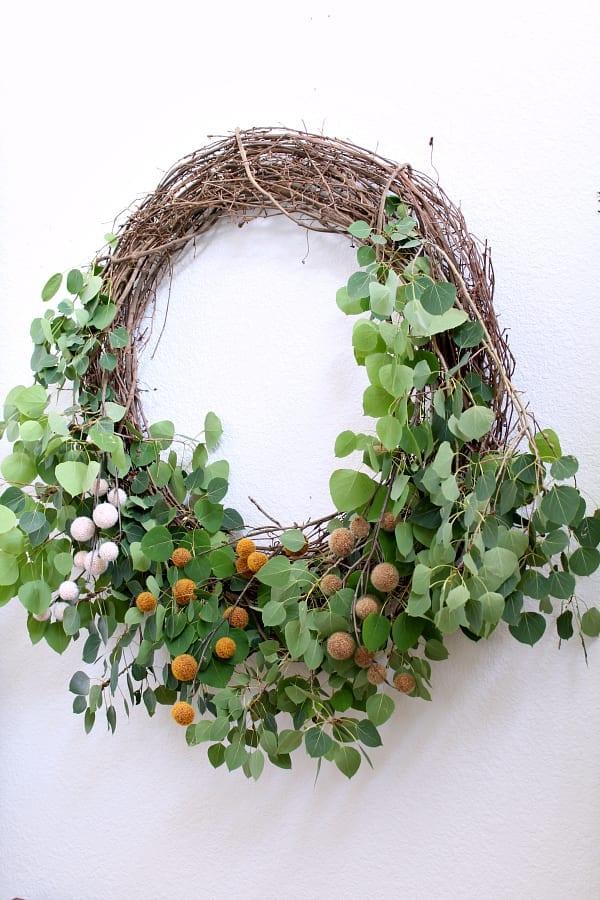 Large DIY Fall farmhouse wreath.
