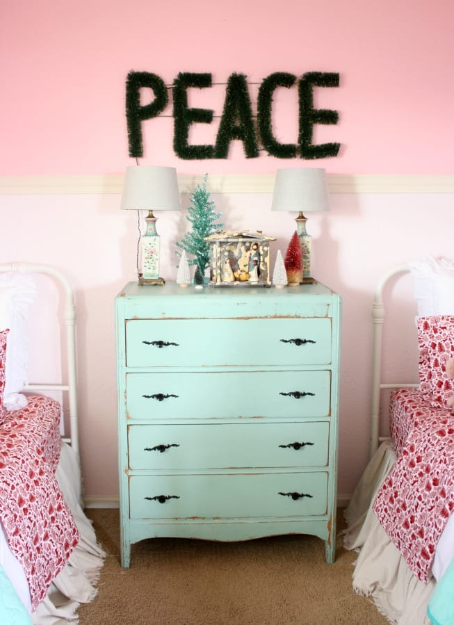 The Tattered Pew : Girls' Room