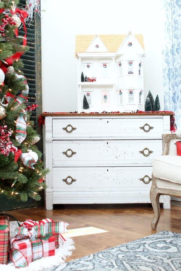 A Christmas dollhouse.