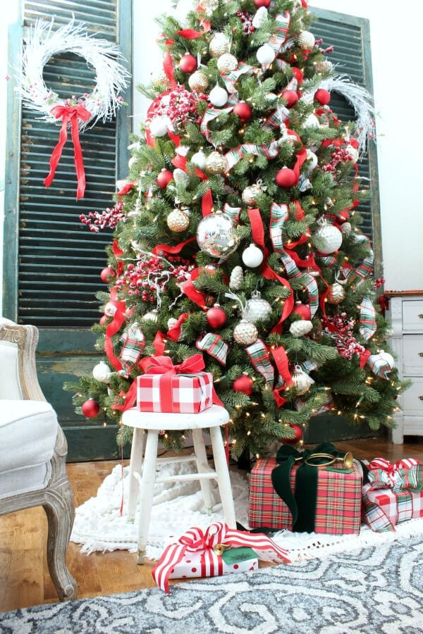 Come take a tour of our family room and Christmas tree!
