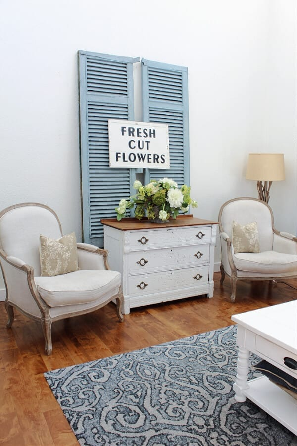 A pretty Spring home tour with a mix of vintage and new decor.