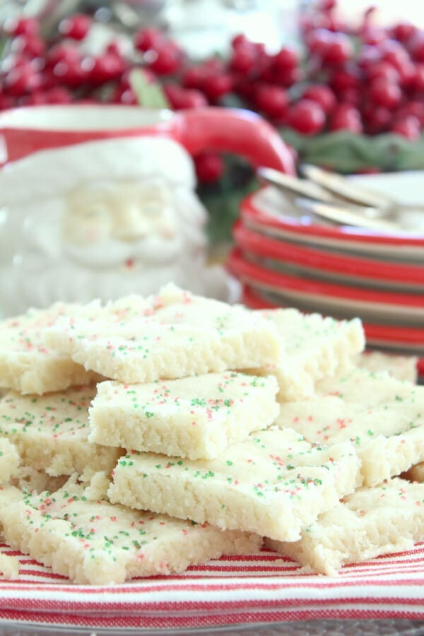 You will love these quick and easy Christmas shortbread cookies!