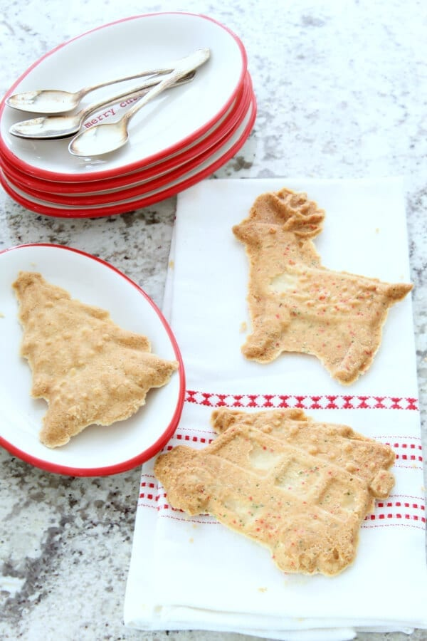 Quick and easy Christmas shortbread cookies!