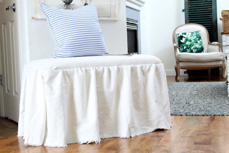 How to recover a bench and add a skirt without any sewing.