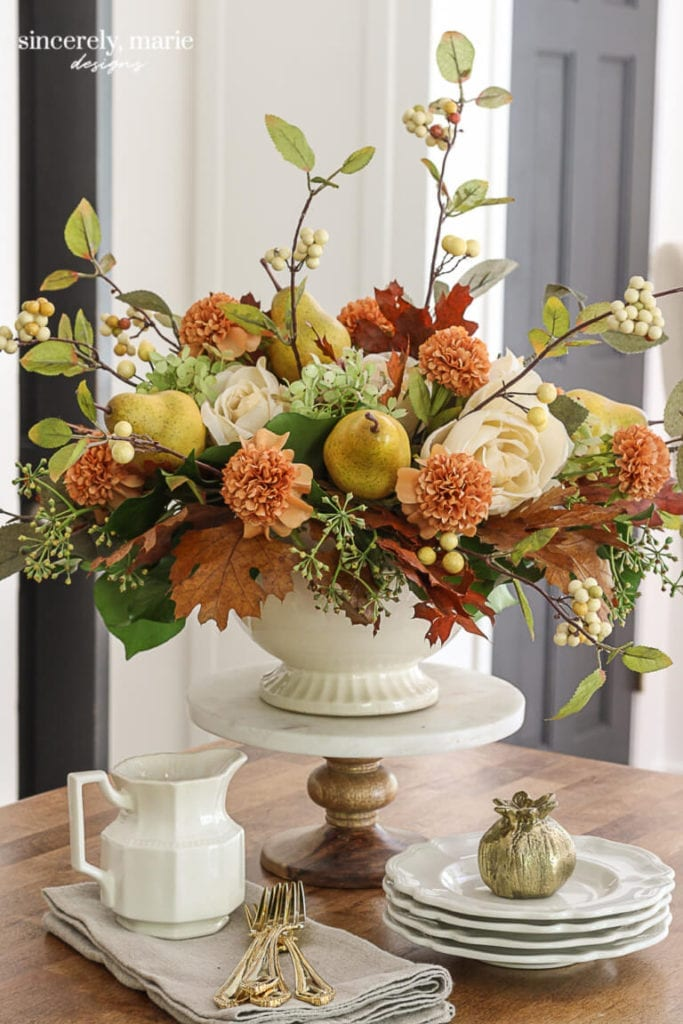 Welcome Home Sunday: Romantic Fall Floral Arrangement