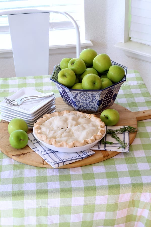 Rosemary browned butter apple pie!