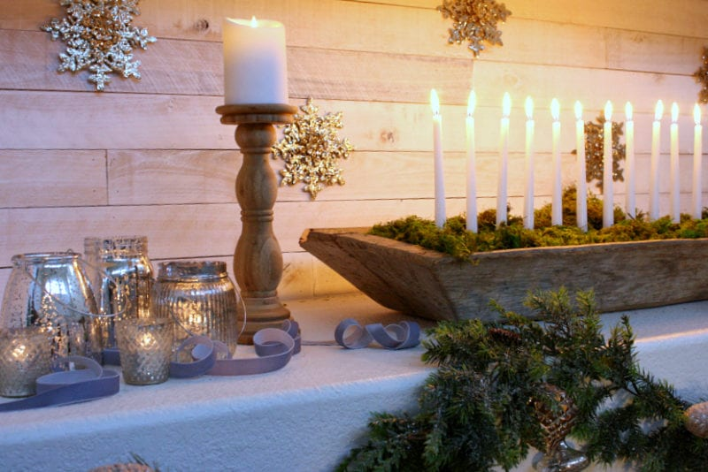 How to create the perfect rustic yet elegant Christmas mantel.