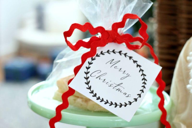 Merry Christmas gift tag FREE printable.
