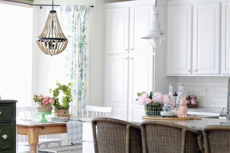 Welcome Home Saturday: Spring kitchen decorating ideas