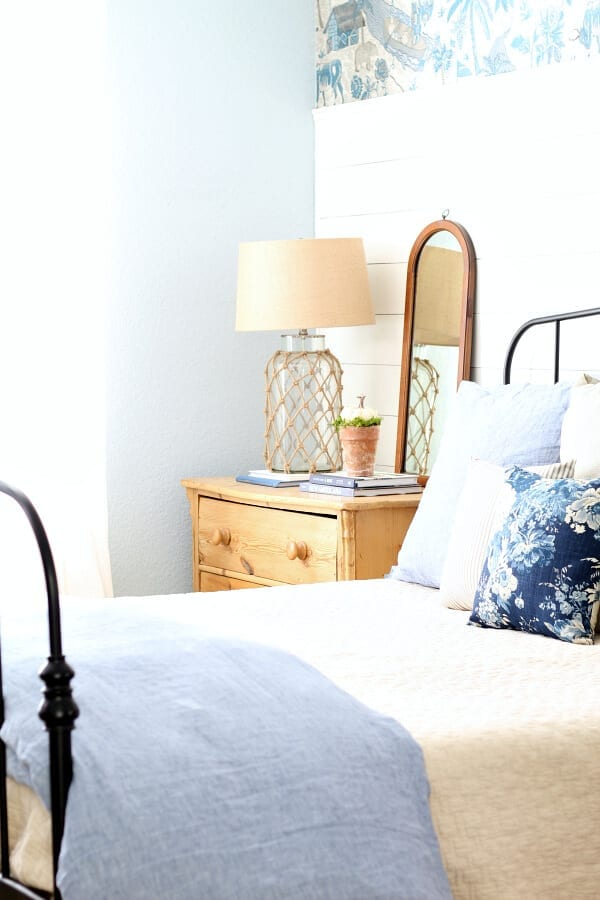 Welcome Home Sunday: Simple Fall Bedroom Decorating Ideas