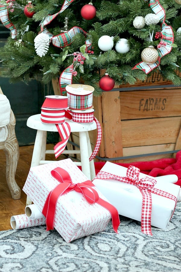 Simple and Pretty Christmas Wrapping Ideas
