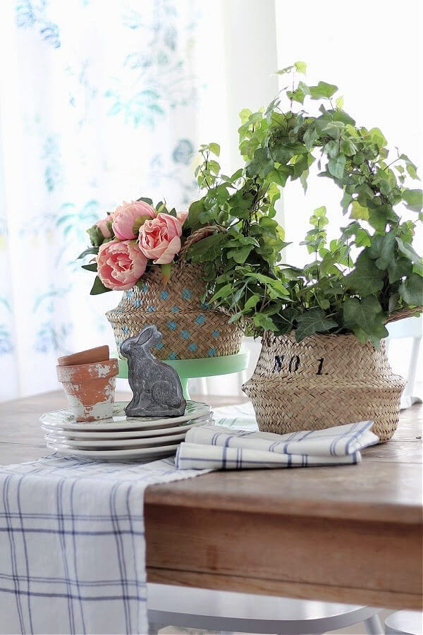 Check out this easy trick for stenciling sea grass baskets.