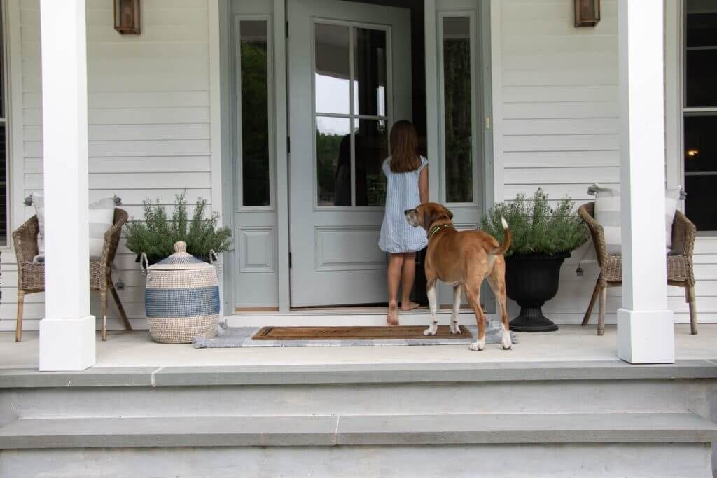 Welcome Home Sunday: Simple Summer Porch Decorating