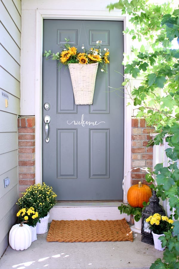 Welcome to our Fall front porch!