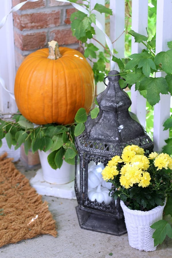How to add vintage touches to your Fall porch.