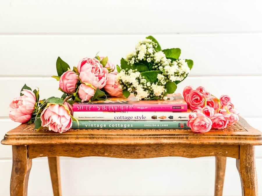 THese beaitiful faux flowers are realistic and perfect for adding color to any home!